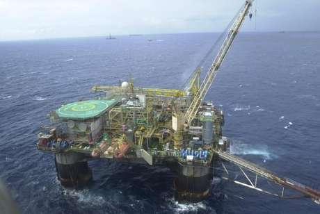 Produção média de petróleo em campos nacionais em maio foi de 2,18 milhões de barris por dia