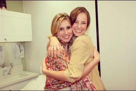 A Dra. Juliana tem, em seu círculo de amizades, a atriz Paola Oliveira