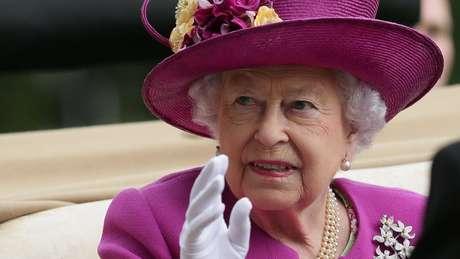 """Por causa de acordo feito em 1760, monarca recebe espécie de """"salário"""" do Tesouro britânico a cada dois anos"""