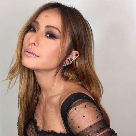 Sabrina Sato usa piercings de orelha de Emar Batalha em parceria com Yan Acioli (Foto; Reprodução/Instagram/@yanacioli)