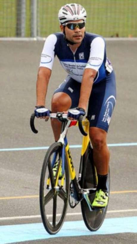 Gideoni Monteiro colocou o Brasil no velódromo olímpico após um jejum de 24 anos Divulgação