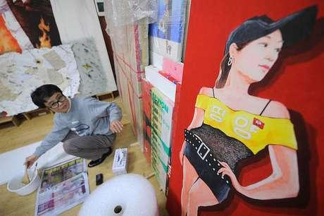 Song Byeokem seu estúdio na Coreia do Sul em 2011