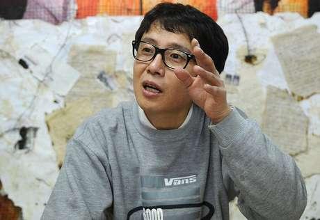 Song Byeok em seu estúdio em janeiro de 2011