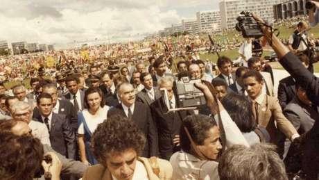 Sarney assumiu a Presidência após a morte de Tancredo Neves