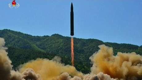 Lançamento de míssil de longo alcance da Coreia do Norte