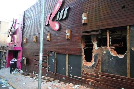 Durante os seis anos desde a tragédia, a fachada da boate Kiss recebeu várias pinturas, onde os desenhos expressam a punição dos responsáveis