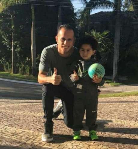 Após se afogar, filho de jogador do Palmeiras melhora no hospital
