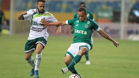 Goiás desencanta e bate Luverdense por 3 a 1 (Foto: Cláudio Reis / O Popular)