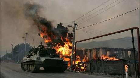 Alguns analistas dizem que o programa de modernização da Rússia foi uma resposta às suas deficiências no conflito na Geórgia