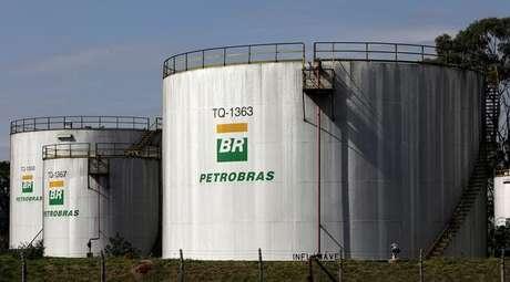 Resultado de imagem para Petrobras tanque Paraguai