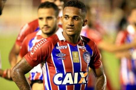 Autor de dois dos três gols do Bahia, Rodrigão comemora vitória