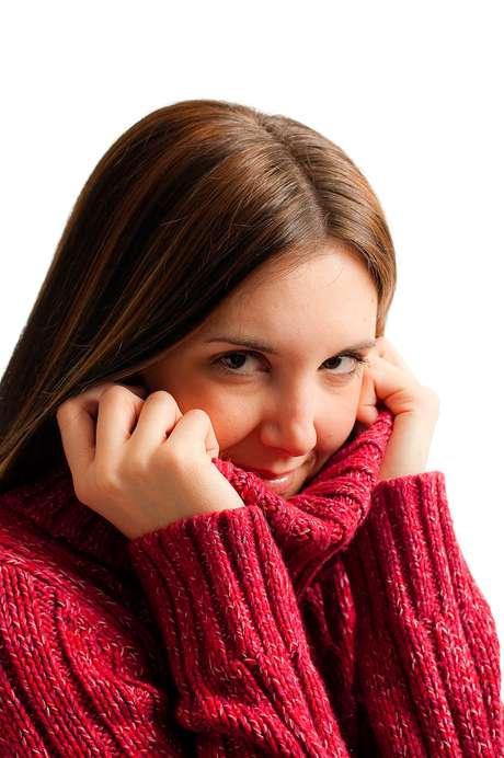 É muito simples e fácil cuidar dos cabelos no frio