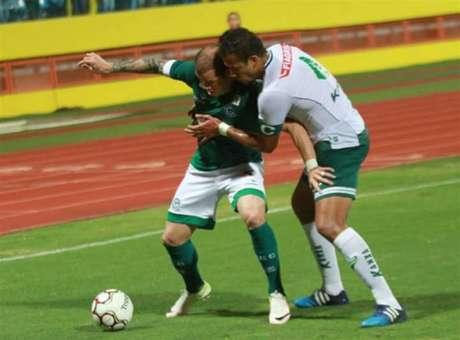 Tiago Luis tem sido decisivo para o Goiás em 2017, como no duelo contra o Luverdense (Foto: Divulgação/Goiás EC)