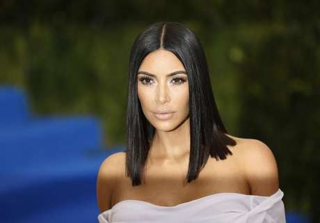 Kim Kardashian se pronuncia após ser acusada de mostrar cocaína em vídeo