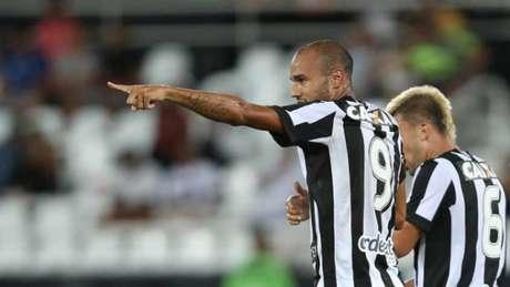 Contratado ainda no ano passado, o centroavante Roger tem 11 gols nesta temporada (Vitor Silva /SSPress/Botafogo)