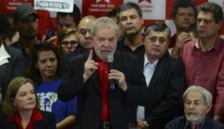 Ex-presidente Luiz Inácio Lula da Silva sobre dá entrevista coletiva sobre a condenação por corrupção pelo juiz federal Sérgio Moro