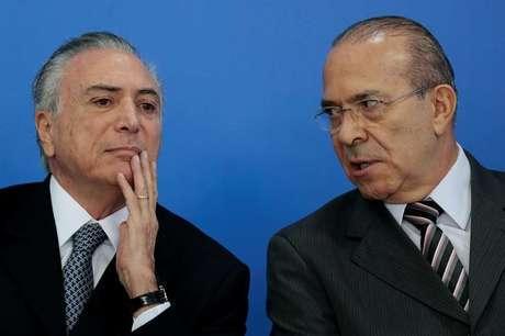 Ministro da Casa Civil, Eliseu Padilha, e presidente Michel Temer no Palácio do Planalto, em Brasília  08/06/2016 REUTERS/Ueslei Marcelino