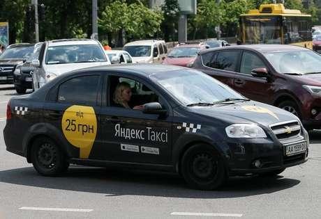 Táxi da Yandex em Kiev, Ucrânia 16/05/2017 REUTERS/Gleb Garanich