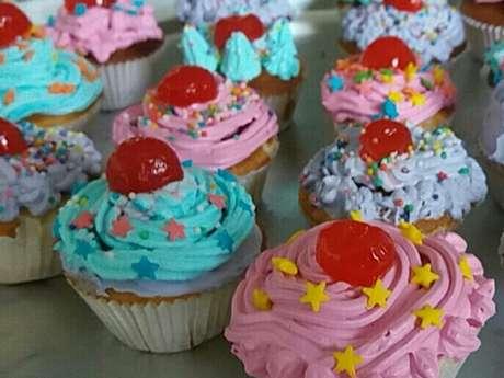 Cobertura de chantili com leite em pó para cupcake