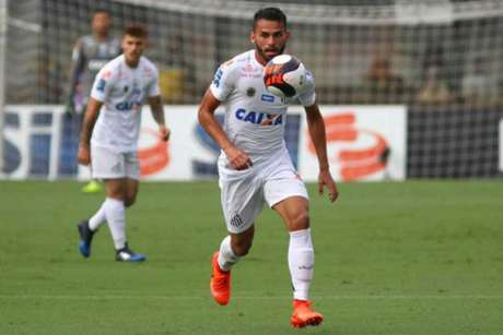 Santos acerta venda de Thiago Maia e empresta Caju para o Lille
