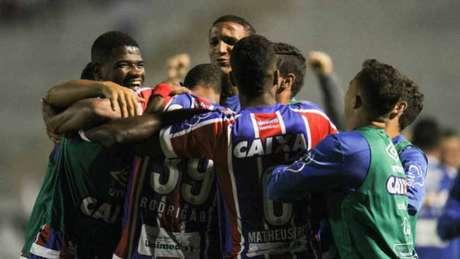 Com Rodrigão inspirado, Bahia faz 3 a 0 na Ponte Preta — Brasileirão
