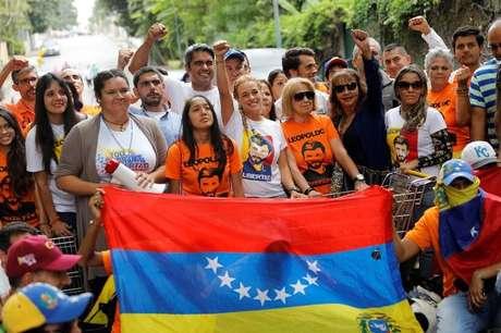 Manifestantes da oposição ao governo da Venezuela em Caracas 10/07/2017 REUTERS/Andres Martinez Casares