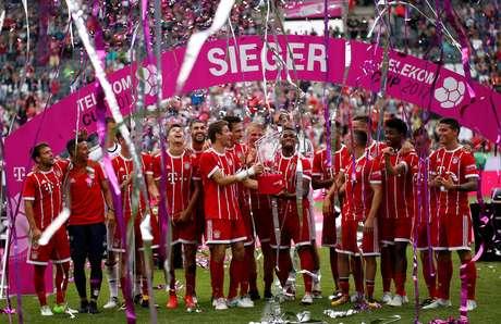 No dia de seu aniversário, meia Gnabry é emprestado pelo Bayern ao Hoffenheim