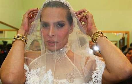 José Castelo Branco vestido de noiva num programa de TV: nascido para 'causar'