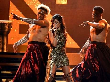 """Camila Cabello já lançou duas músicas solo: """"Crying In The Club"""" e """"I Have Questions"""""""