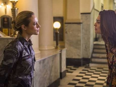 "Na novela ""A Força do Querer"": Jeiza (Paolla Oliveira) e Bibi (Juliana Paes) se desentendem"