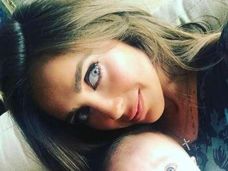 Anahi comemora seis meses do filho com declaração no Instagram!