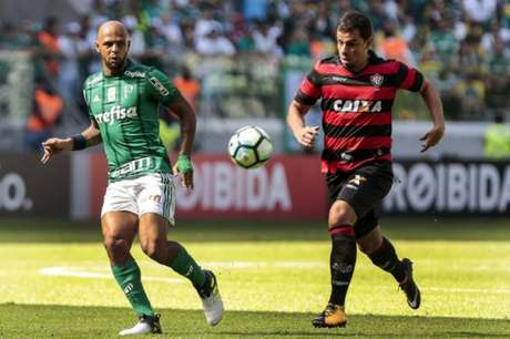 Felipe Melo durante a partida contra o Vitória (Foto: Ale Cabral/AGIF/Lancepress!)