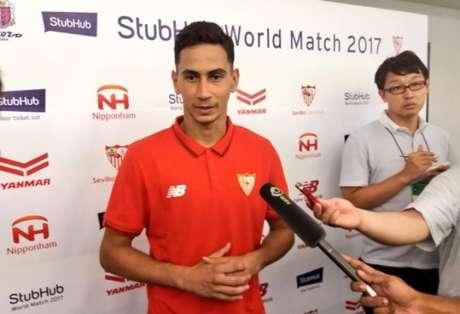 Ganso falou a jornalistas locais logo após o amistoso (Foto: Reprodução / Twitter Sevilla)
