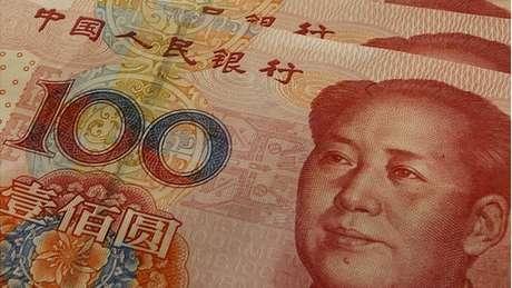 O governo chinês quer manter mais divisas no país com vistas de fortalecer o yuan como uma moeda internacional
