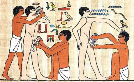 Imagem de circuncisão no Egito antigo