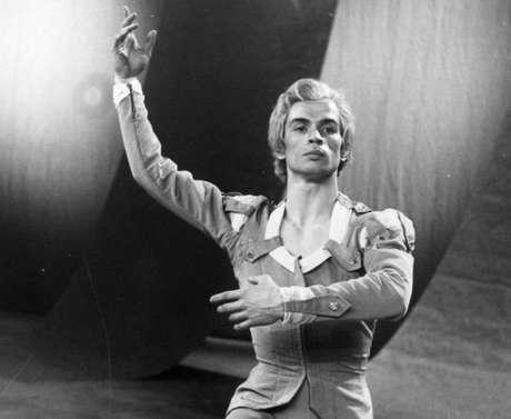 Rudolf Nureyev é considerado um dos melhores bailarinos da história