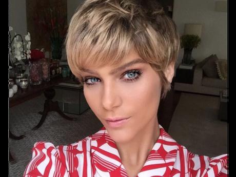Isabella Santoni faz tranças no cabelo e é acusada de apropriação cultural