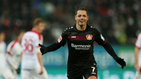 Bayer Leverkusen vende Chicharito Hernández ao West Ham