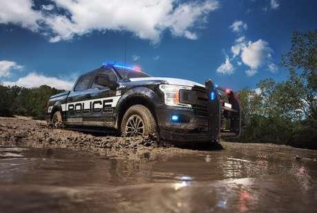 Ford revela a picape certificada para perseguição policial