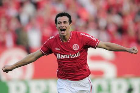 Após cutucar rival, Leandro Damião é liberado para ser inscrito no BID