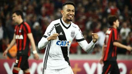 Lucca é artilheiro isolado da Série A, com dez gols. (Guilherme Artigas Agência Lancepress!)