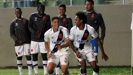 Paulinho dá vitória para Vasco e entra na história do Campeonato Brasileiro