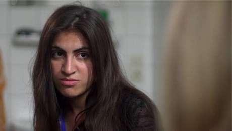 A jovem Ekhlas em entrevista à BBC