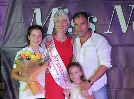 Italiana de 49 anos é eleita 'Miss Nonna'