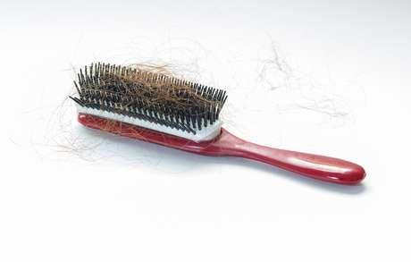 É preciso cuidado para que a queda de cabelo não se torne um problema irreversível