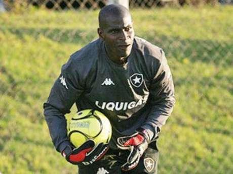 O Botafogo foi o clube de maior tradição dentre os 11 pelos quais o ex-atleta Max passou (Foto: Arquivo Lance)