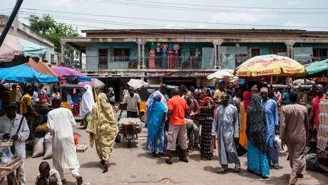 Condições econômicas ruins em algumas regiões da Nigéria fazem com que mulheres voltem para o Boko Haram