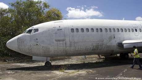 Antigo avião da Lufthansa está estacionado em cemitério de aviões no aeroporto de Fortaleza