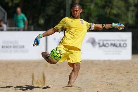 Corinthians e Santos reeditam final no Brasileiro de Beach Soccer de 2012 (Foto: Marcello Zambrana/DGW)