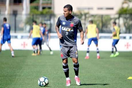 Mano Menezes abre treino e escala Cruzeiro com quatro novidades